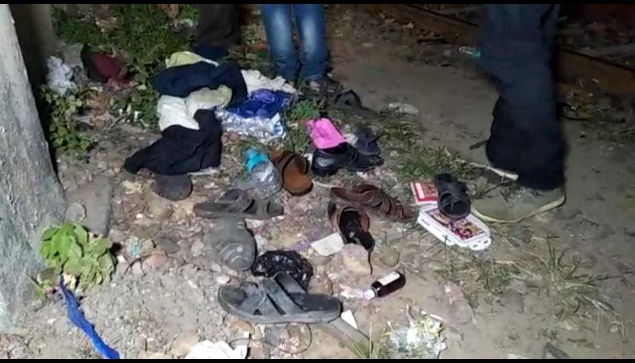 कोलकाता - संतरागाछी स्टेशन में भगदड़, 2 की मौत , 14 लोग घायल