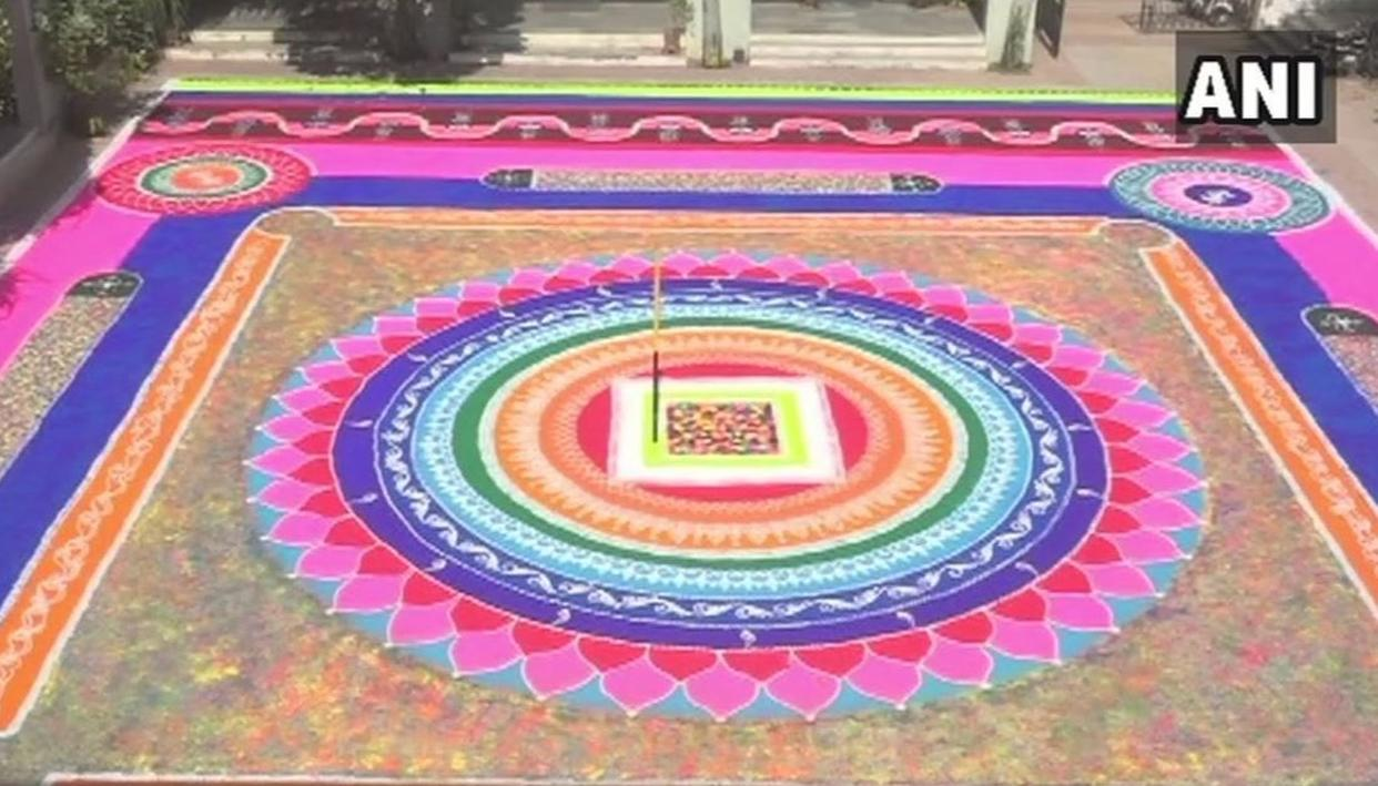 GROUP FROM VADODARA CREATES 5,000 SQUARE FEET BIG RANGOLI