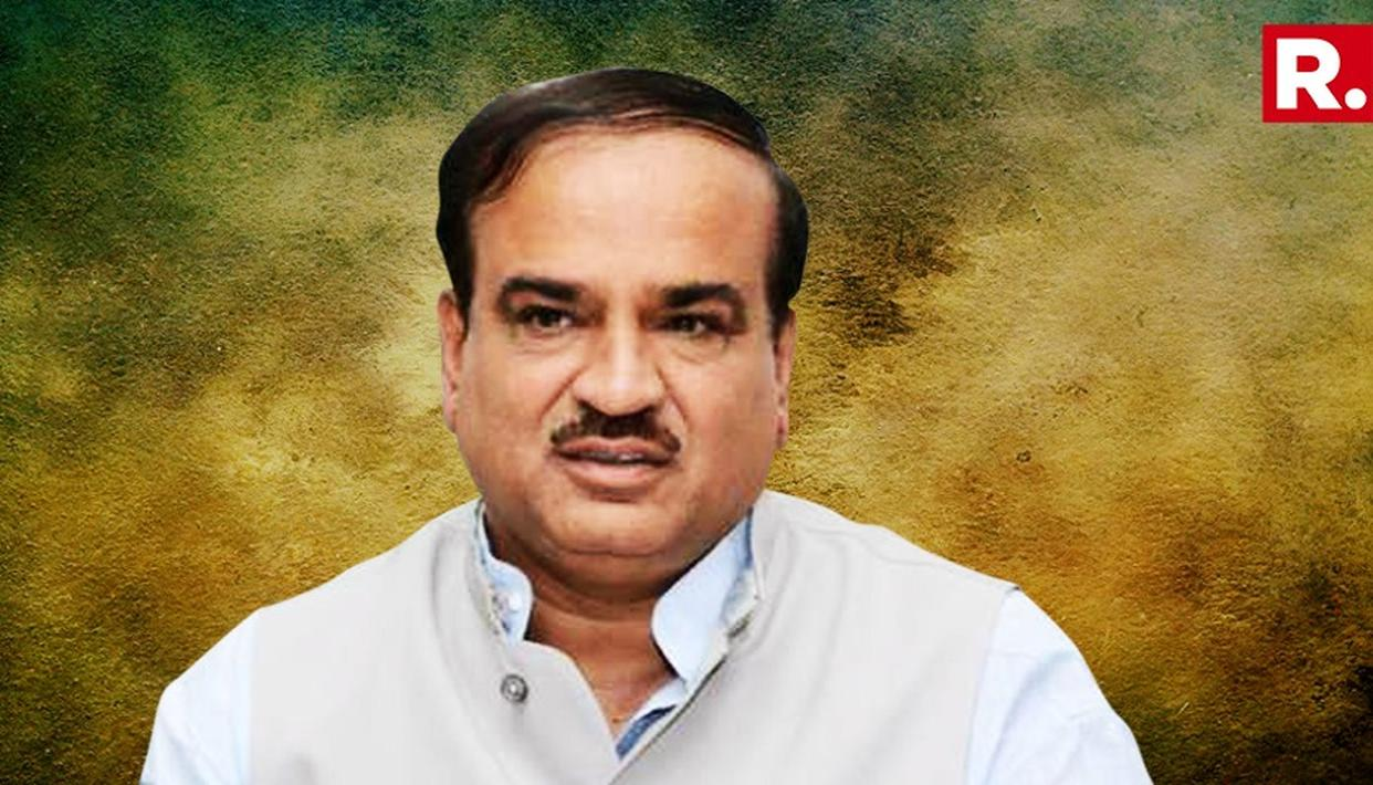 TOMAR, GOWDA TO TAKE CHARGE OF LATE ANANTH KUMAR'S MINISTRIES