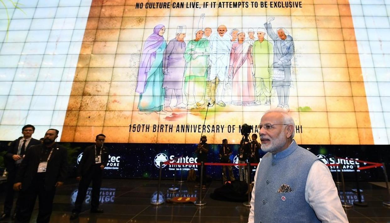 PM NARENDRA MODI IN SINGAPORE