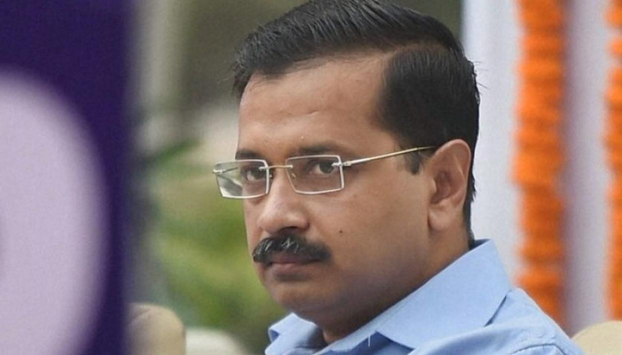 MAN WITH PISTOL ARRESTED FROM KEJRIWAL'S HOUSE