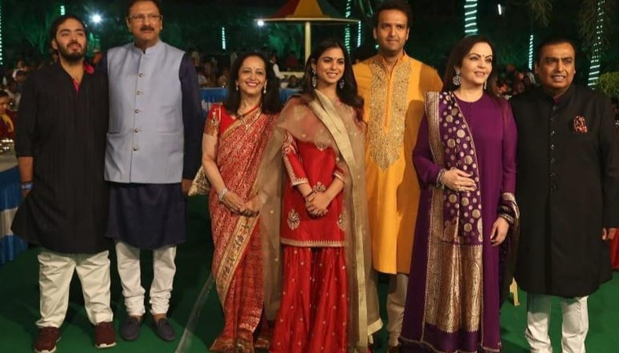 AHEAD OF ISHA AMBANI'S WEDDING, FAMILY SETS UP A SPECIALLY-CURATED EXHIBIT 'SWADESH BAZAAR'. DETAILS INSIDE