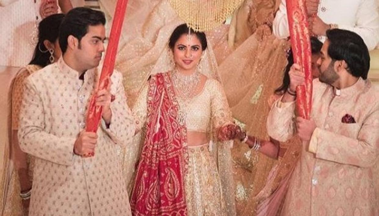 UNSEEN PICTURE FROM ISHA AMBANI'S WEDDING CEREMONY PROVES THAT SHE'S NOTHING LESS THAN A PRINCESS