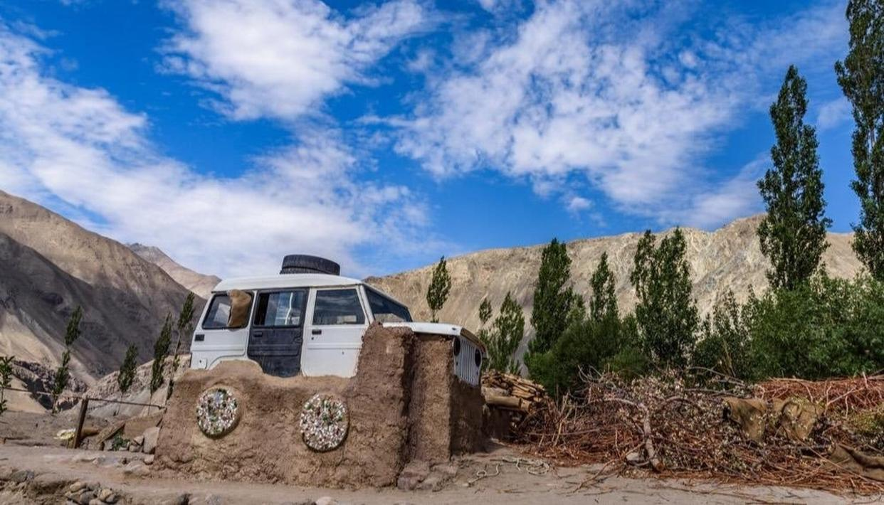 LADAKH INSTITUTE LEAVES ANAND MAHINDRA IMPRESSED BY RECYCLING OLD CAR INTO 'HOME ROOF'