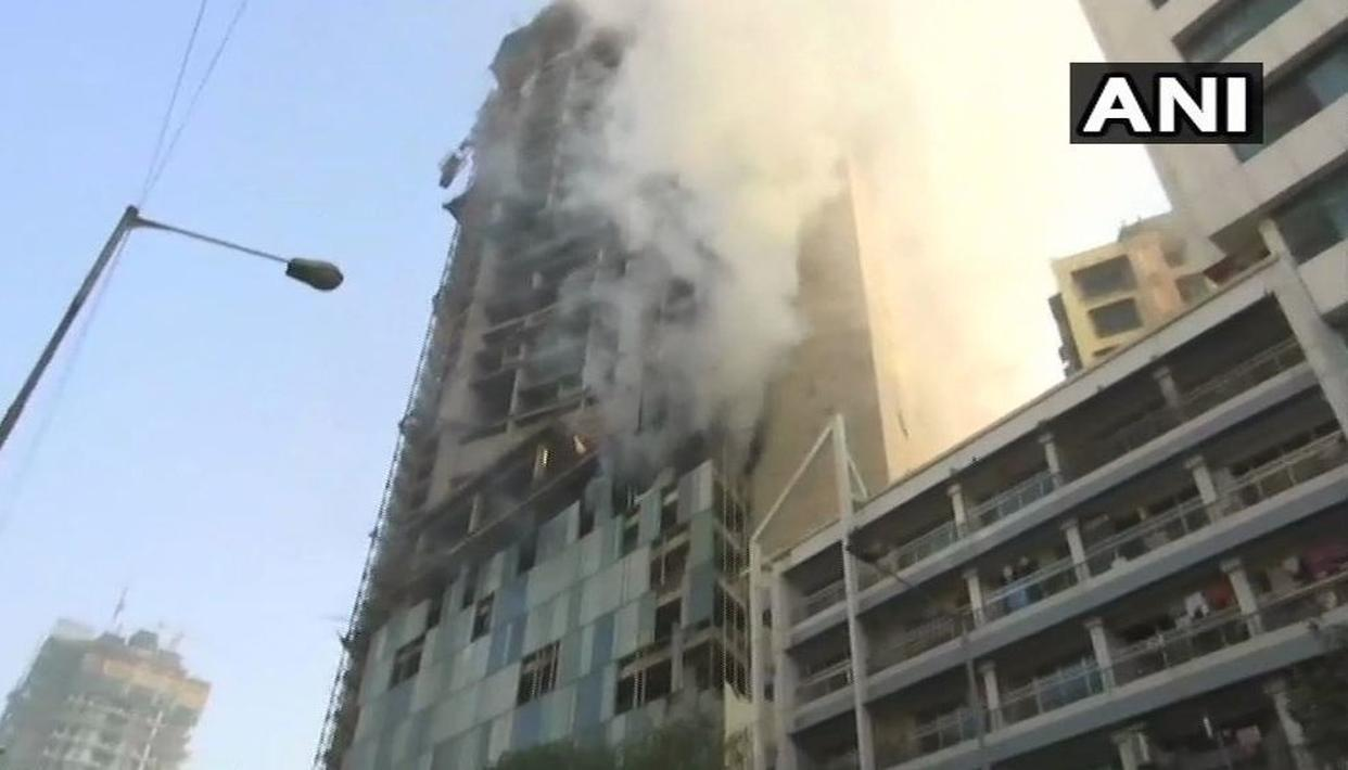 FIRE BREAKS OUT NEAR KAMALA MILLS IN MUMBAI. LIVE UPDATES