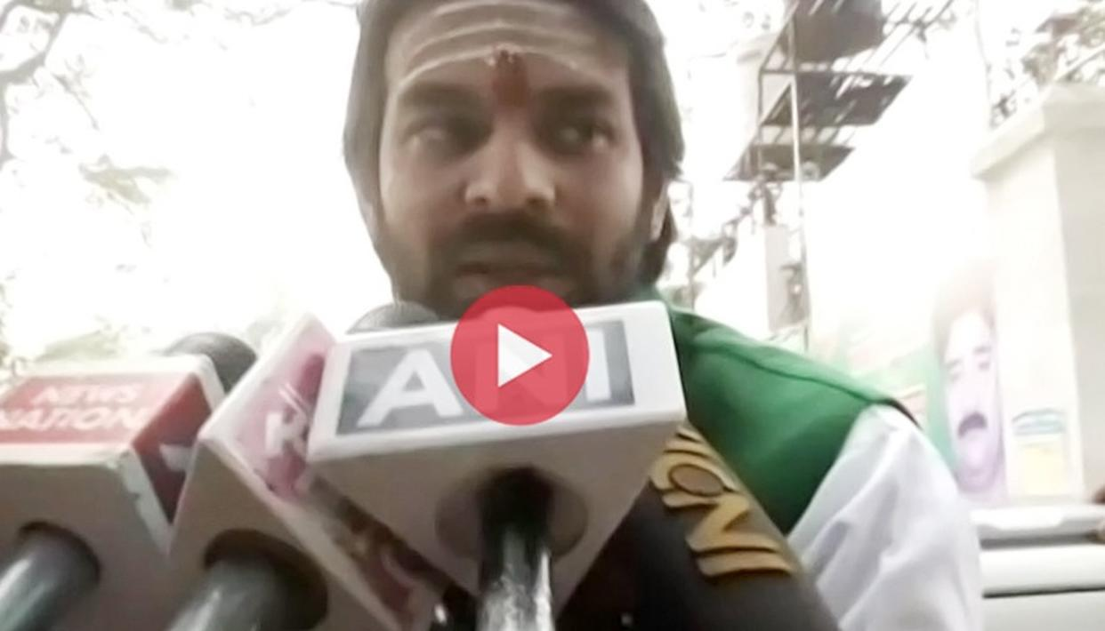TEJ PRATAP YADAV DECLARES BROTHER TEJASHWI 'MY CHIEF MINISTER', GETS EMOTIONAL WHILE TALKING ABOUT MOTHER RABRI DEVI