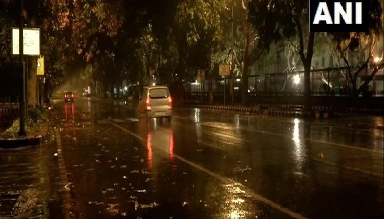 DELHI WAKES UP TO RAIN, MORE SHOWERS LIKELY IN NEXT FEW DAYS