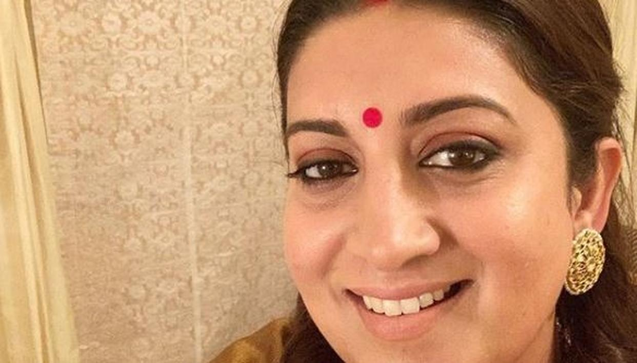 SMRITI IRANI EXTENDS SPECIAL MESSAGE TO FANS ON FEBRUARY 14, GIVES THE DAY A NEW NAME