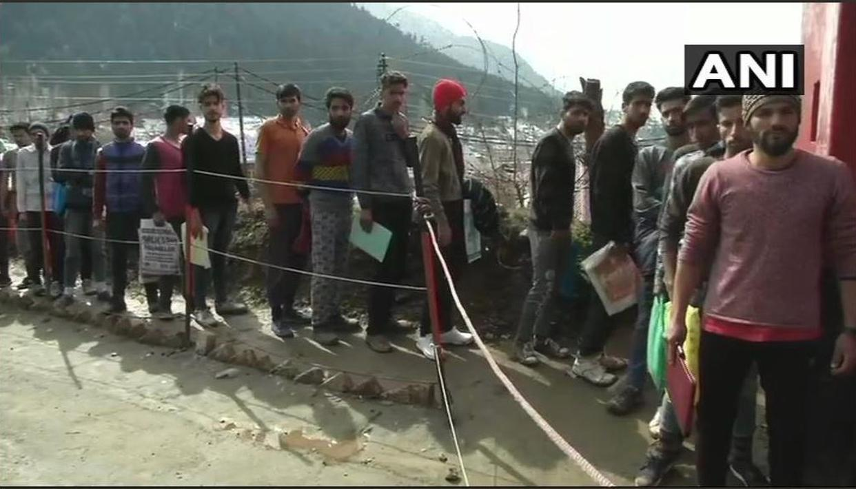 TO 'SUSTAIN THEIR FAMILIES AND SERVE THE NATION,' SEVERAL KASHMIRI YOUTHS PARTICIPATE IN ARMY RECRUITMENT DRIVE IN BARAMULLA