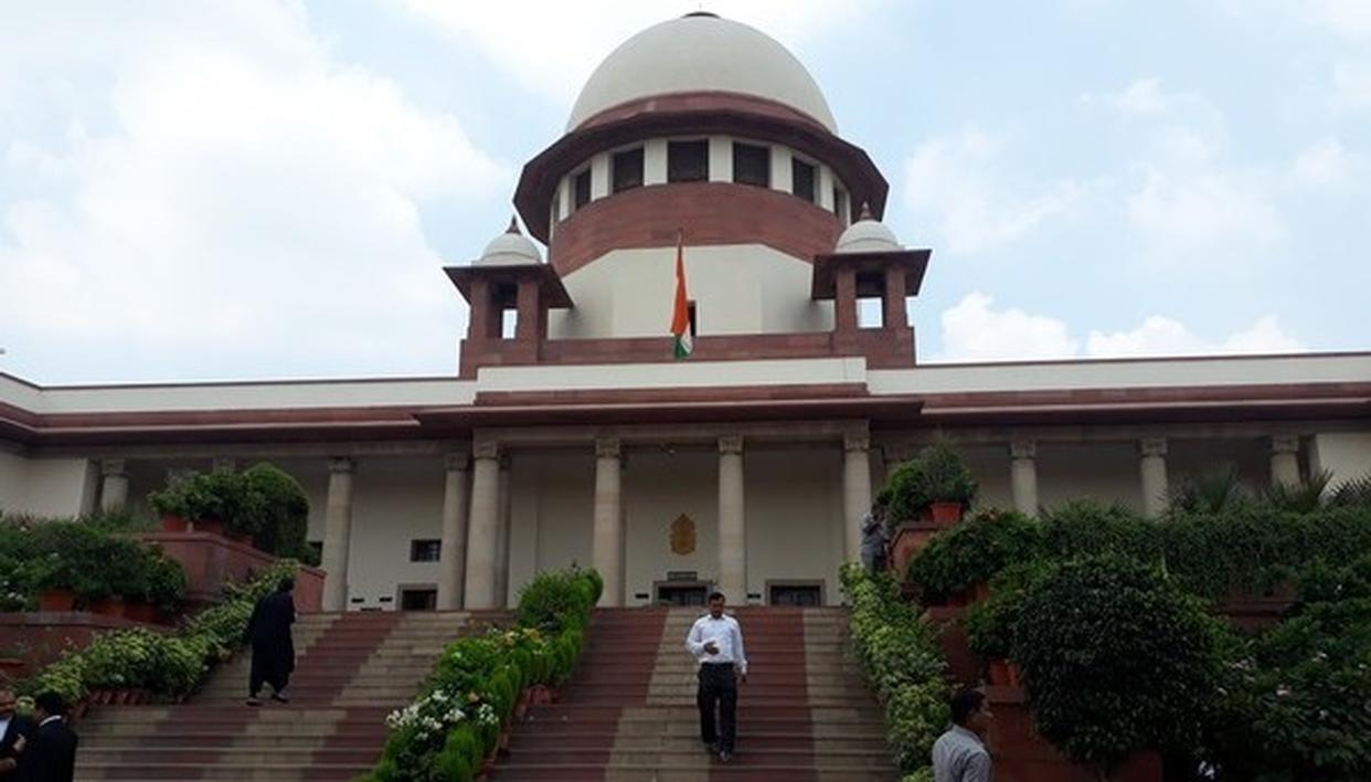 SC JUDGE RECUSES FROM HEARING CBI PLEA ALLEGING WB OFFICERS OBSTRUCTING SARADHA CHIT FUND PROBE