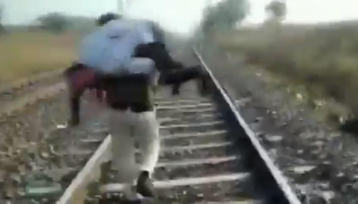 WATCH: MADHYA PRADESH CONSTABLE CARRIES INJURED MAN ON SHOULDERS FOR 1.5 KM ON TRACKS, SAVES LIFE