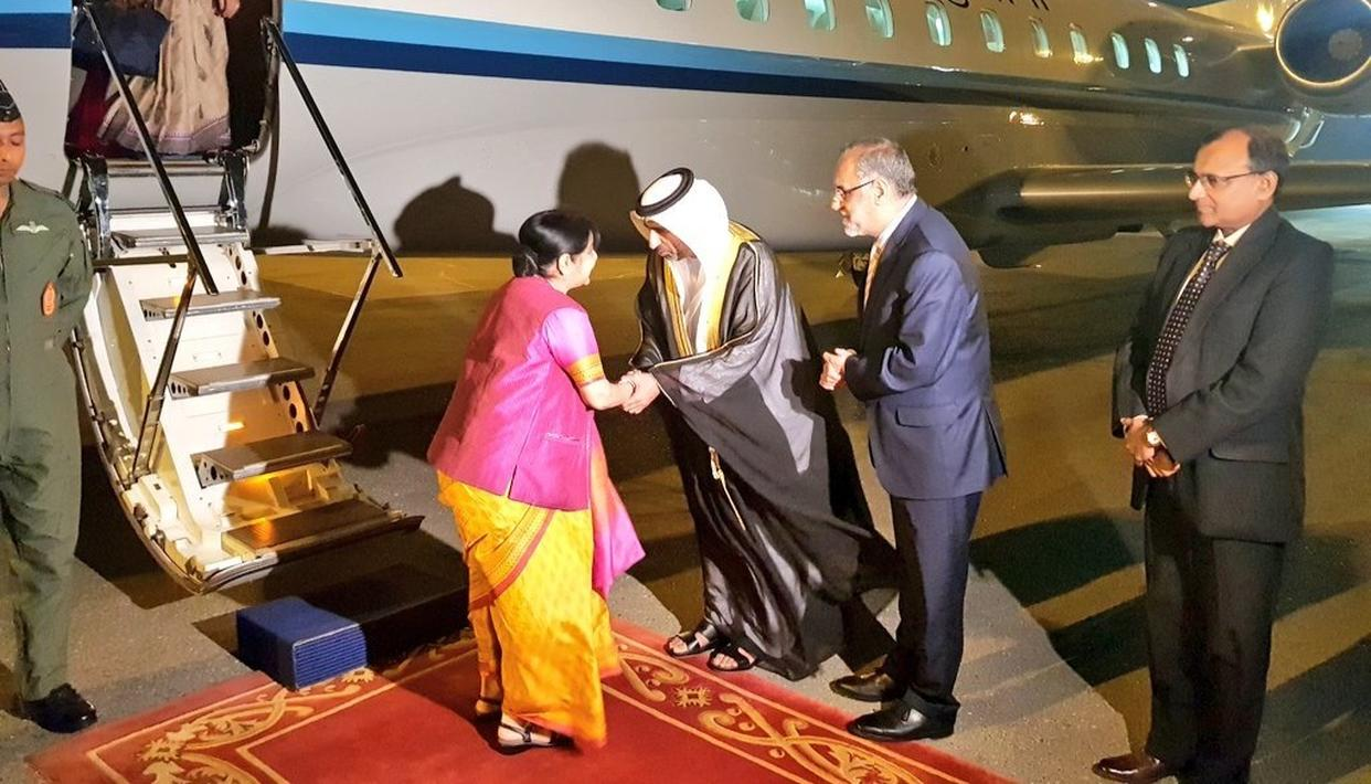 EAM SUSHMA SWARAJ RECEIVED WITH FULL DIPLOMATIC PROTOCOL IN ABU DHABI AS SHE IS SET TO ADDRESS OIC CONCLAVE AS 'GUEST OF HONOUR'