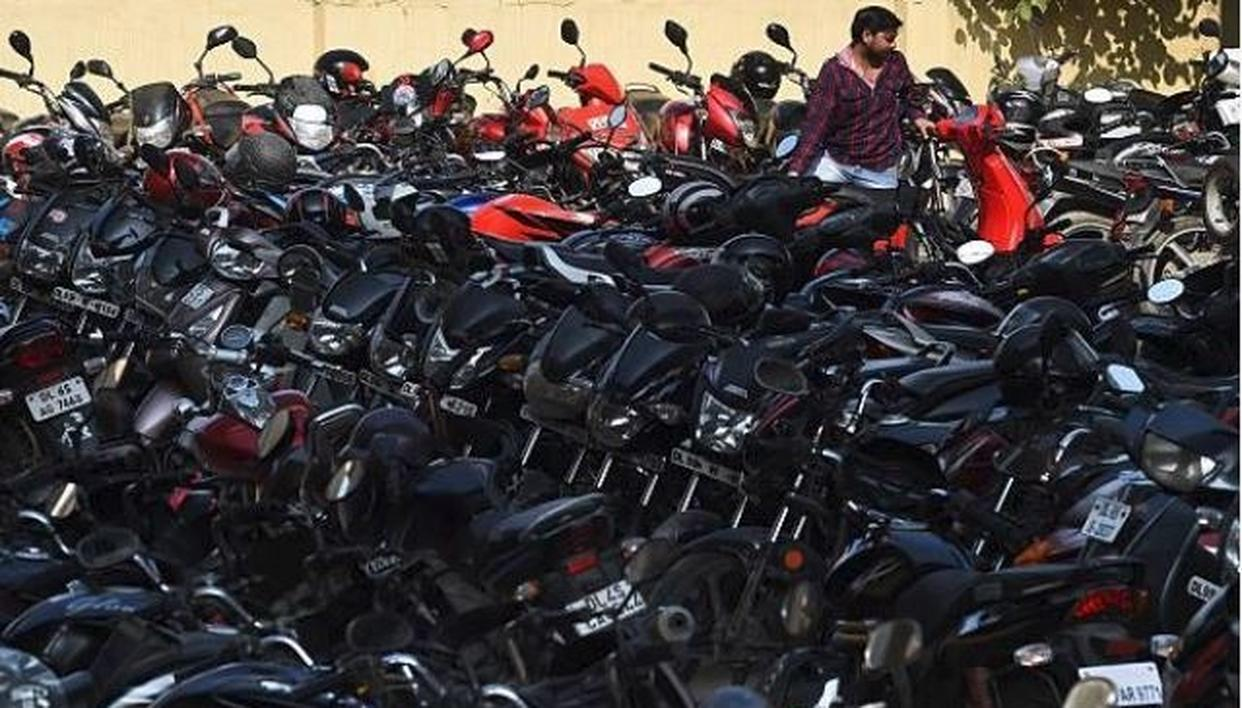 DELHI WILL NEVER PROSPER UNLESS YOU SOLVE PARKING PROBLEM: OBSERVES SUPREME COURT, SAYS 'THOSE WHO DO NOT OBEY LAW WILL GO SCOT-FREE & THOSE WHO OBEY WILL SUFFER'