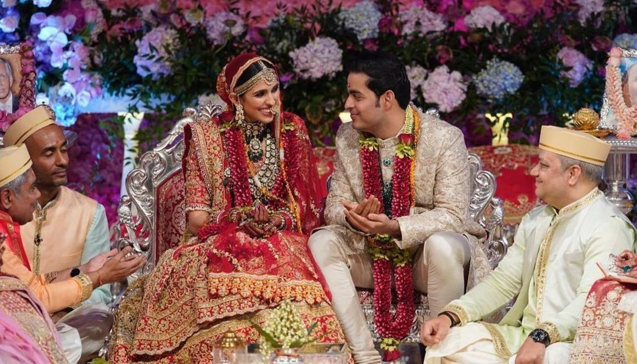 REVEALED: THIS DESIGNER CRAFTED THE WEDDING OUTFITS OF AKASH AMBANI AND SHLOKA MEHTA, READ ALL DETAILS HERE