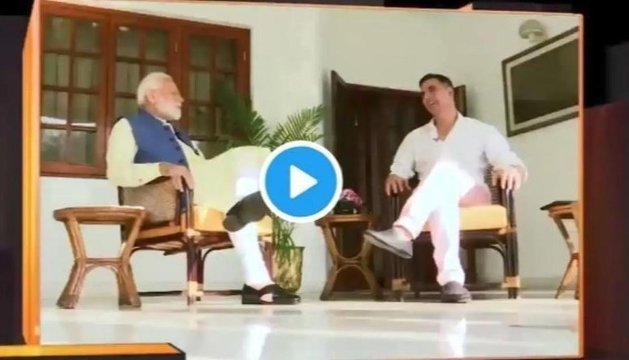 "WATCH: PM NARENDRA MODI REVEALS OBAMA'S ADVICE TO HIM IN A ""COMPLETELY NON-POLITICAL CONVERSATION"" WITH AKSHAY KUMAR"