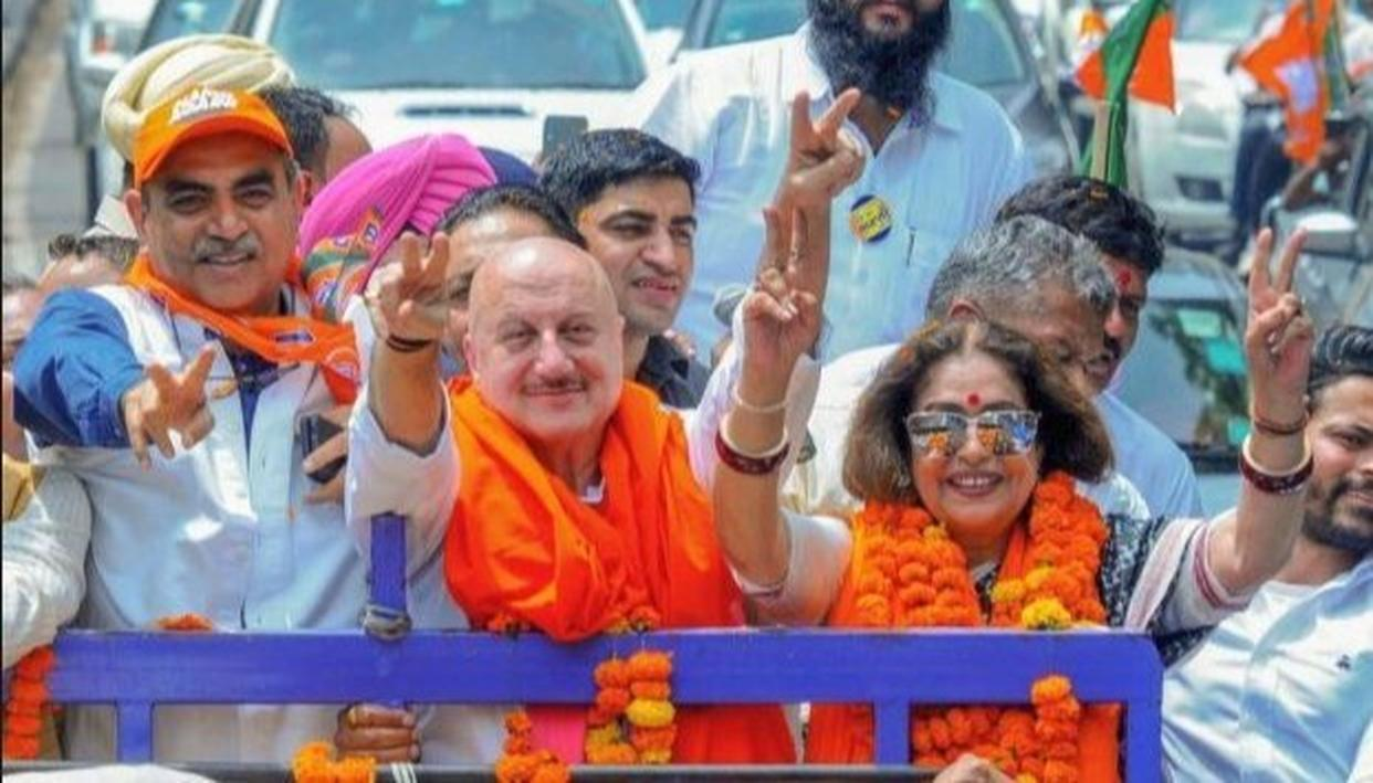 AFTER WIFE KIRRON KHER, WILL ANUPAM KHER ALSO JOIN POLITICS? ACTOR ANSWERS