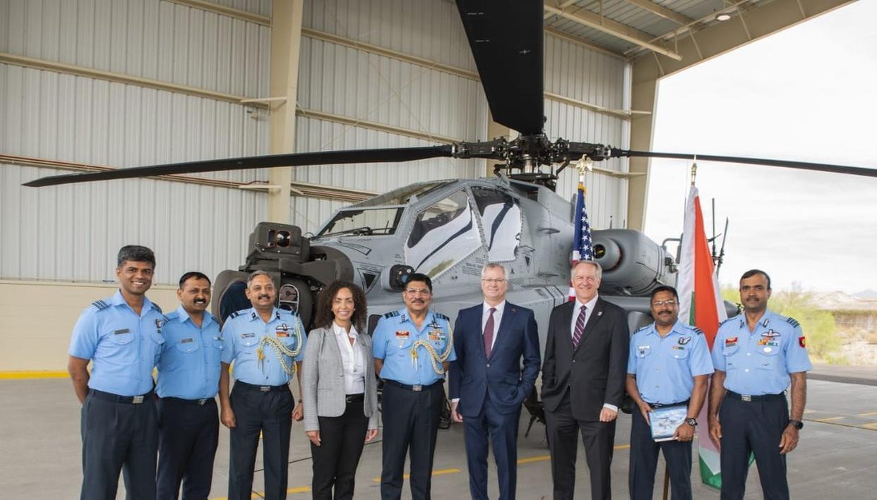 वायुसेना को मिला पहला अपाचे गार्जियन लड़ाकू हेलीकॉप्टर, चीन-पाक सीमा पर होगी तैनाती