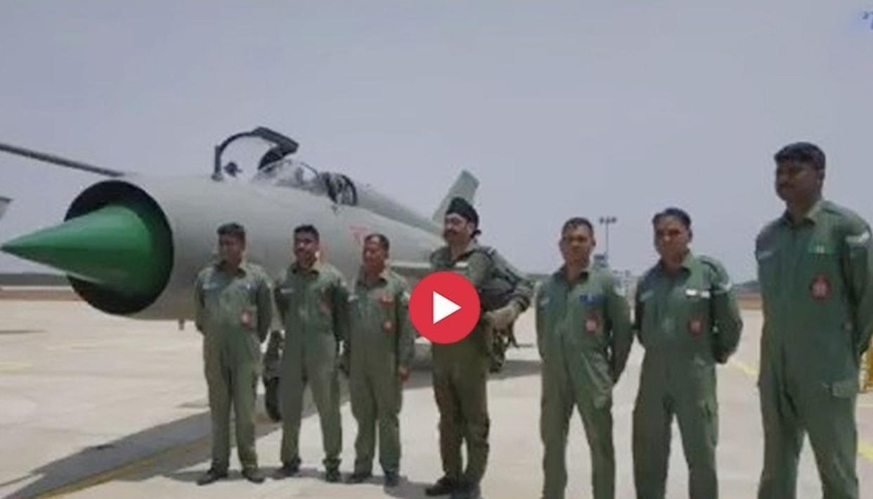 WATCH: AIR CHIEF MARSHAL B S DHANOA FLIES THREE SOLO SORTIES OF MIG-21 T-96 FIGHTER AIRCRAFT, INTERACTS WITH THE AIRWARRIORS OF 109 HELICOPTER UNIT 'THE KNIGHTS'