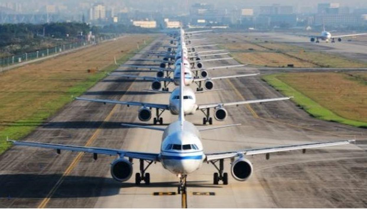 32 FLIGHTS WERE DIVERTED FROM DELHI DUE TO BAD WEATHER
