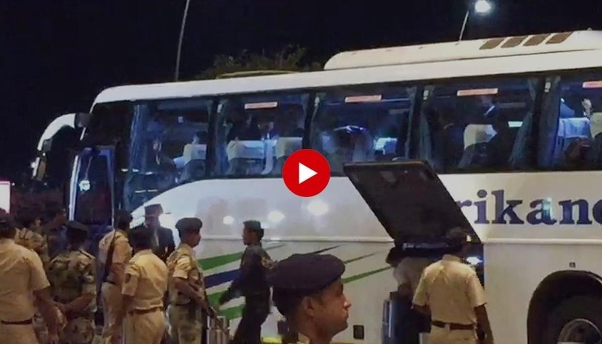 WATCH: 'INDIA, INDIA...,' CHANT FANS FOR TEAM INDIA OUTSIDE MUMBAI AIRPORT AS VIRAT KOHLI AND SQUAD HEAD TO ENGLAND FOR WORLD CUP 2019