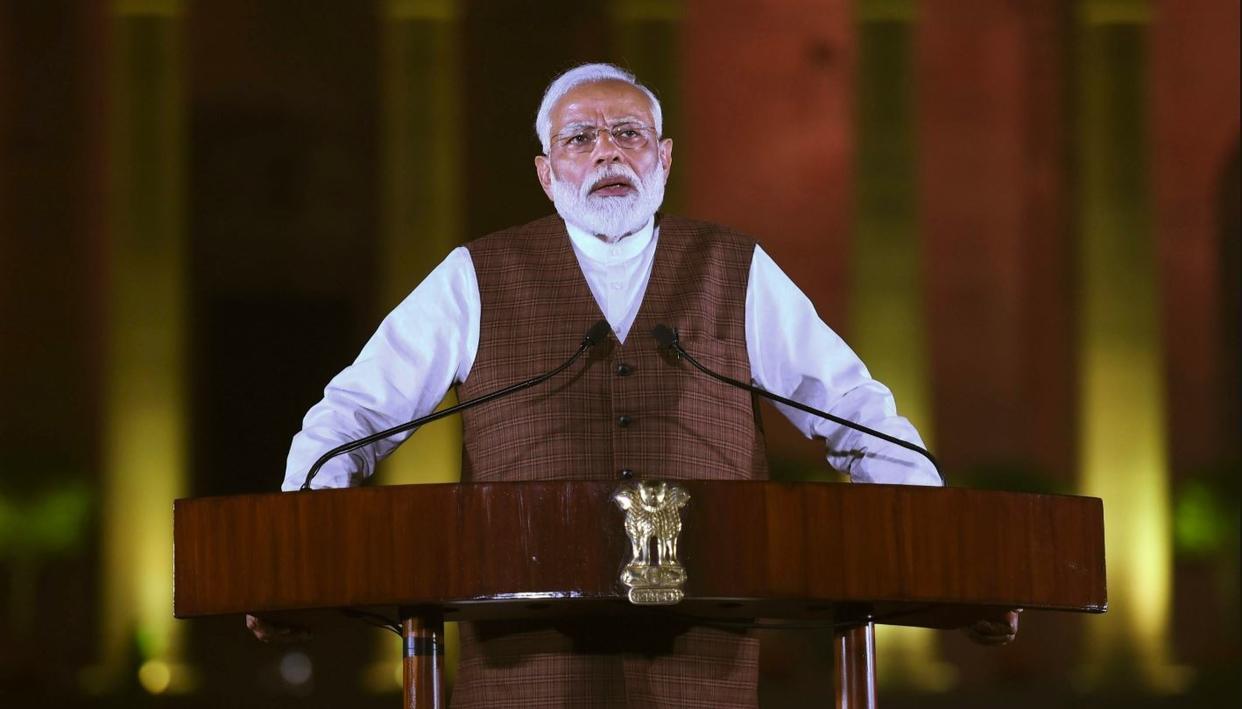 अब कांग्रेस के इस नेता ने मोदी की प्रशंसा में पढ़ें कसीदें, पार्टी ने मांगा स्पष्टीकरण