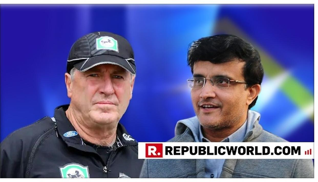 'WHO IS THE IN-CHARGE HERE?' SOURAV GANGULY AND JOHN WRIGHT'S UNMISSABLE BANTER IN THE COMMENTARY BOX GIVES NETIZENS A 'GOOSEBUMP MOMENT'