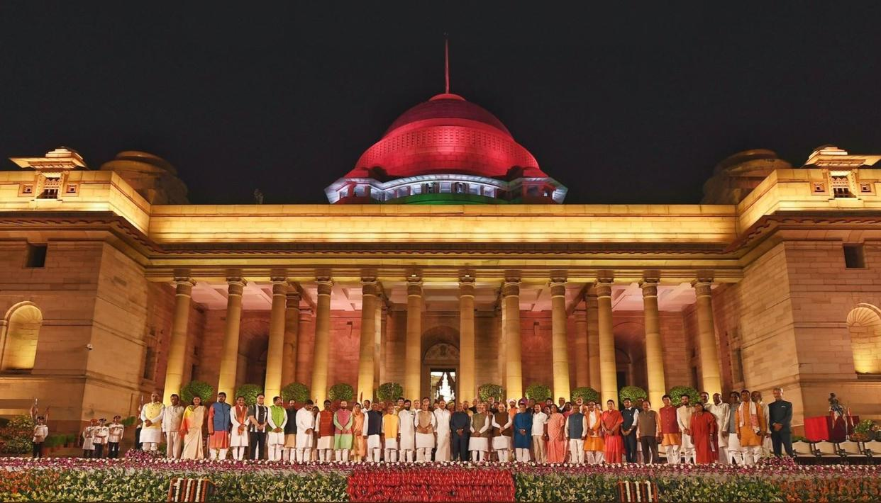 HERE'S THE FULL LIST OF MINISTERS IN THE SECOND NARENDRA MODI-LED NDA GOVERNMENT WHO ARE TAKING OATH WITH THE PRIME MINISTER