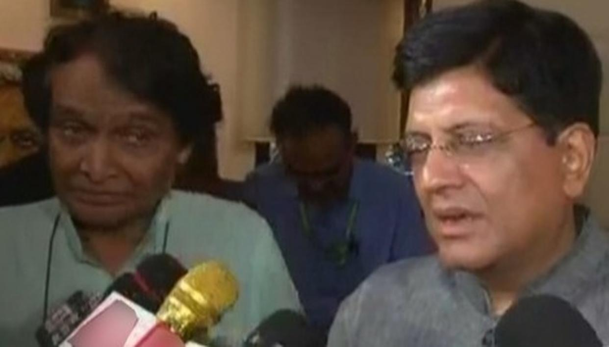 WATCH: HERE'S WHAT SURESH PRABHU SAID AS HE PASSED THE BATON TO INCOMING COMMERCE AND INDUSTRY MINISTER PIYUSH GOYAL