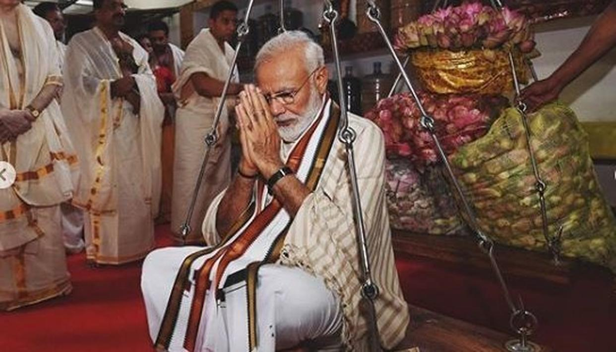 """""""GURUVAYUR TEMPLE IS DIVINE AND MAGNIFICENT,"""" WRITES PM MODI WHILE GLIMPSES OF HIM OFFERING PRAYERS IN KERALA ESTABLISH EXACTLY WHY"""