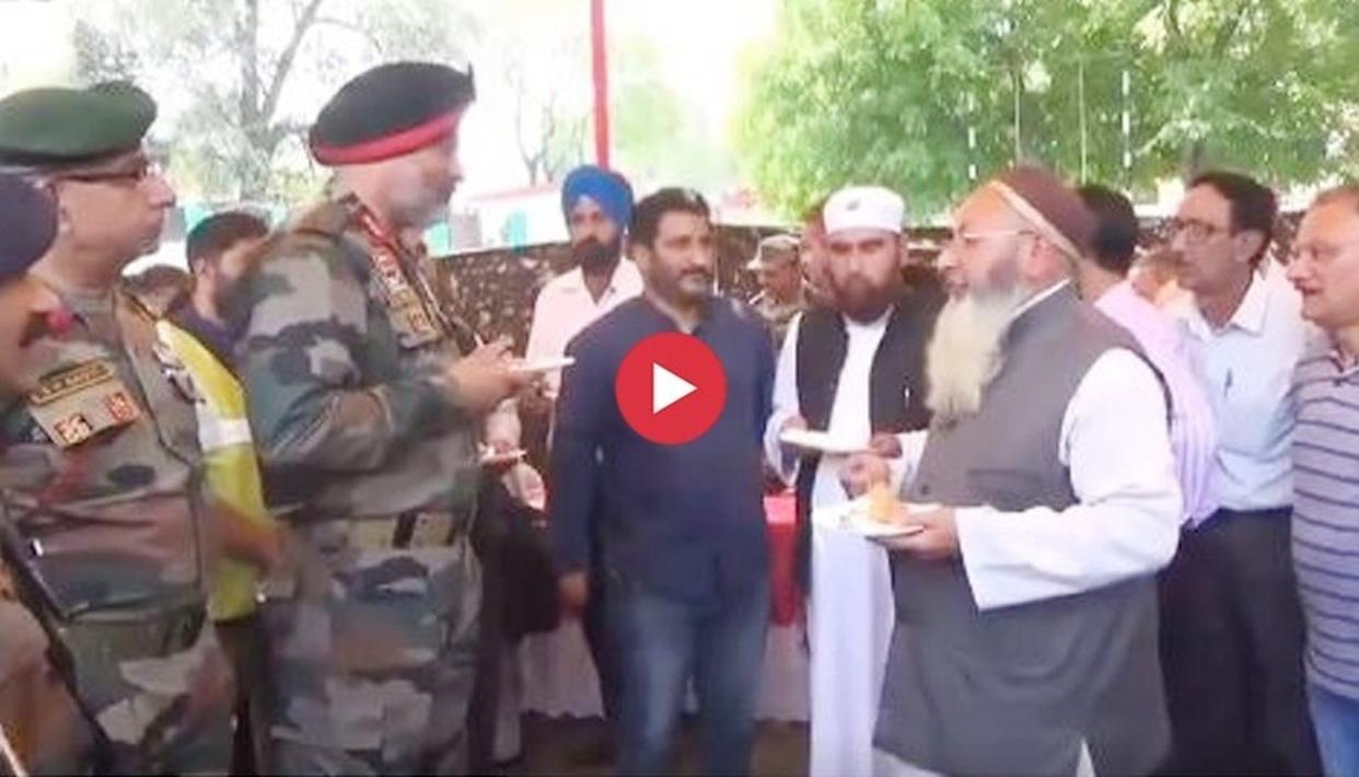 """WATCH: """"BECAUSE YOU ARE AT THE BORDER, OUR KIDS ARE SAFE AT HOME"""": CHINAR CORPS JAWANS HAILED AT EID MILAN EVENT IN KASHMIR"""
