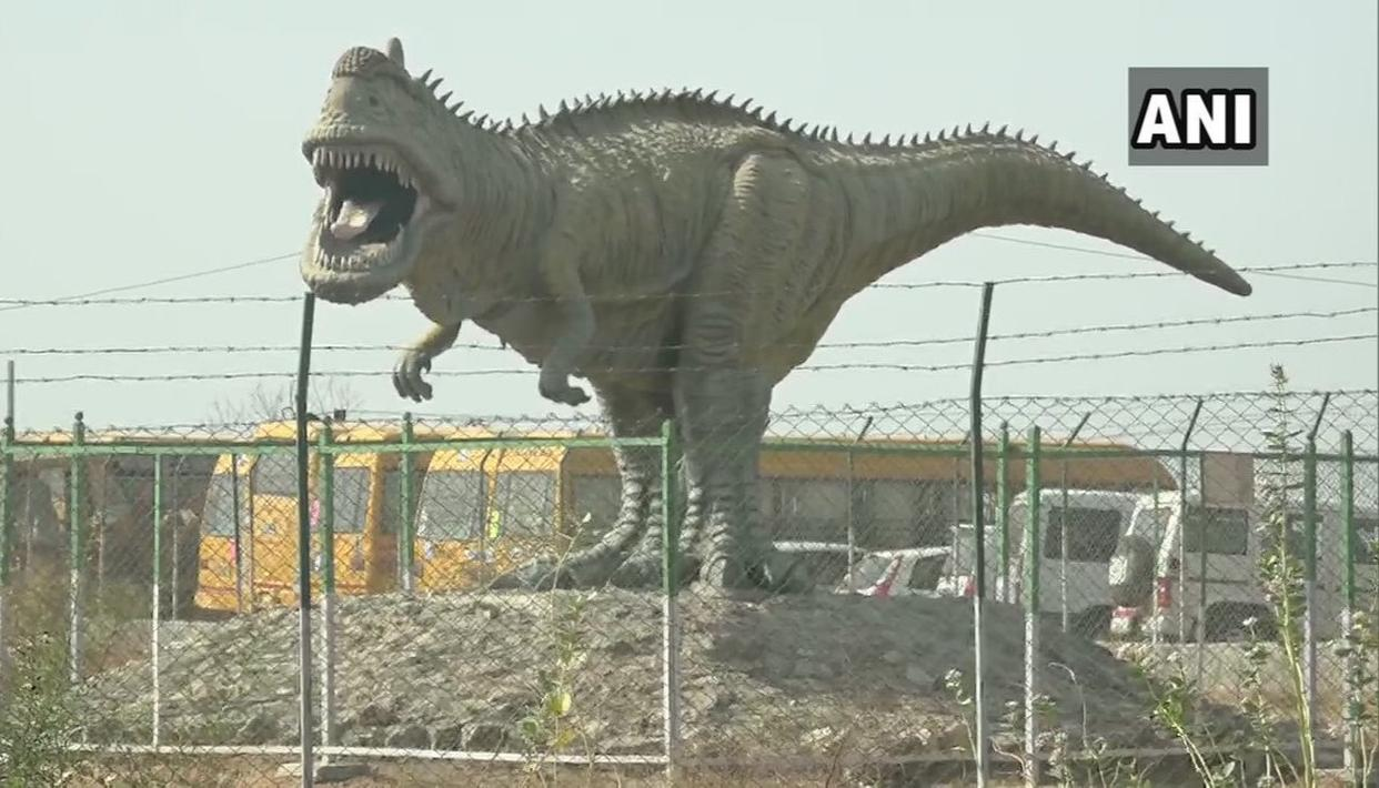INDIA GETS ITS FIRST DINOSAUR MUSEUM-CUM-PARK IN GUJARAT; SEE PICTURES INSIDE