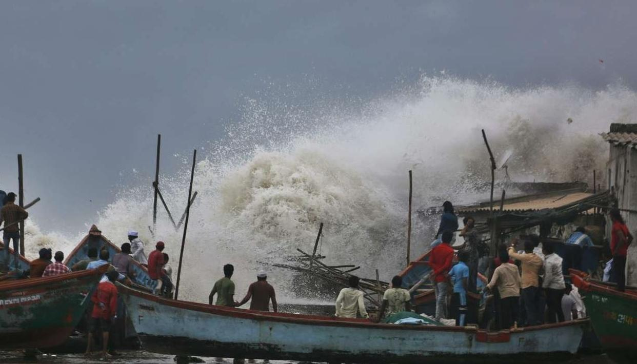 CYCLONE VAYU: BIG TWIST AS FAIR CHANCE CYCLONE VAYU MAY DRIFT AWAY FROM GUJARAT'S SAURASHTRA COAST AND JUST SKIRT PORBANDAR', SAYS SKYMET IN LATEST UPDATE