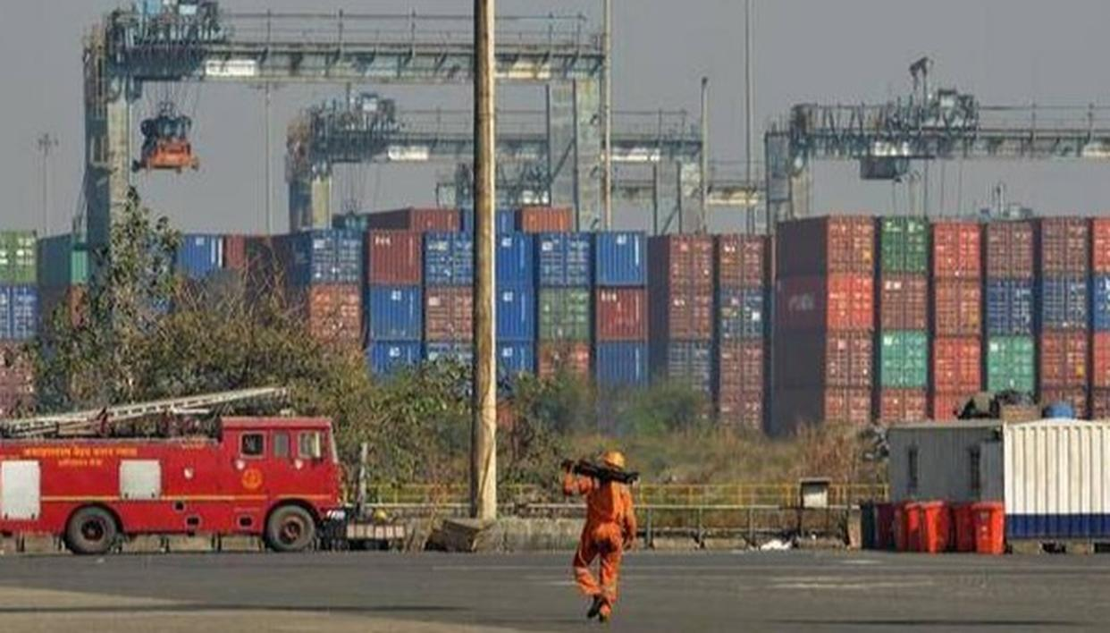 INDIA CAN BOOST EXPORTS OF 300 PRODUCTS TO US, CHINA AMID TRADE WAR: REPORT