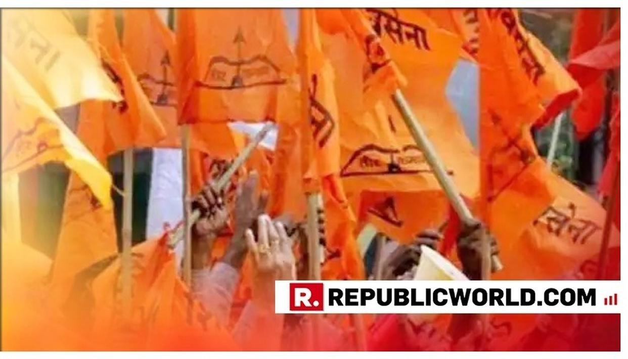 SHIV SENA'S WOMEN WORKERS REMOVE MANNEQUINS FROM MUMBAI STREETS