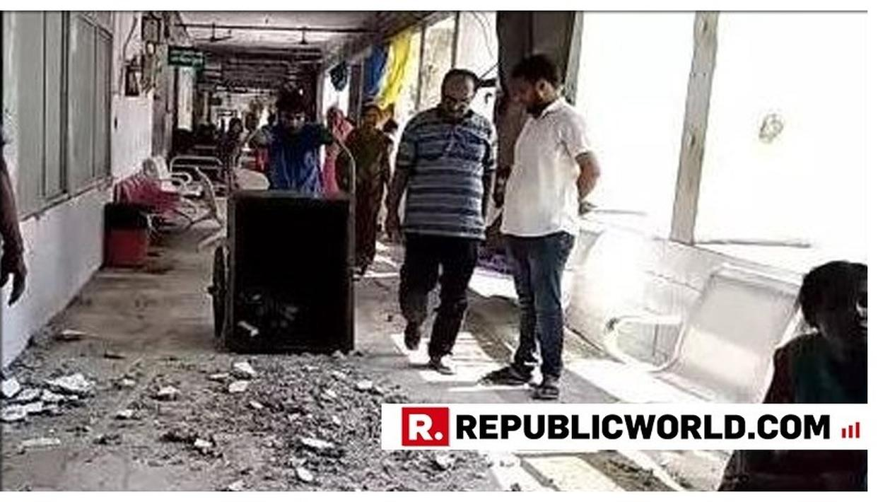 SHOCKING: ROOF OUTSIDE ICU AT SKMC HOSPITAL IN MUZAFFARPUR COMES CRASHING DOWN EVEN AS DEATH TOLL INCREASES DUE TO ENCEPHALITIS