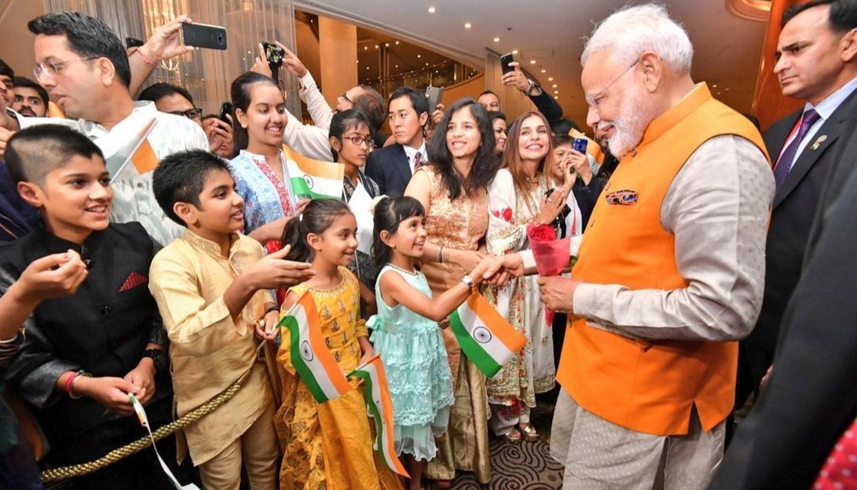 जी-20 शिखर सम्मेलन में हिस्सा लेने जापान पहुंचे PM मोदी, भारतीय मूल के लोगों ने गर्मजोशी के साथ किया स्वागत