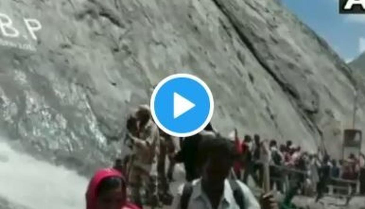 WATCH: 'ITBP ZINDABAD' CHANTS BREAK OUT AS PERSONNEL BRAVE SHOOTING STONES TO LET AMARNATH YATRIS PASS SAFELY