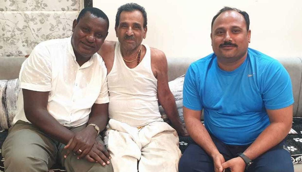 औरंगाबाद के दुकानदार से केन्या के सांसद लिए थे 200 उधार, फिर 30 साल बाद भारत आया पैसे लौटाने