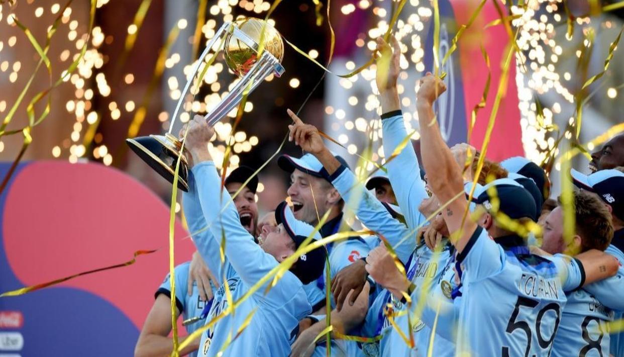 रोमांचक मुकाबले में इंग्लैंड ने न्यू जीलैंड को हराकर पहली बार वर्ल्ड कप खिताब पर जमाया कब्जा