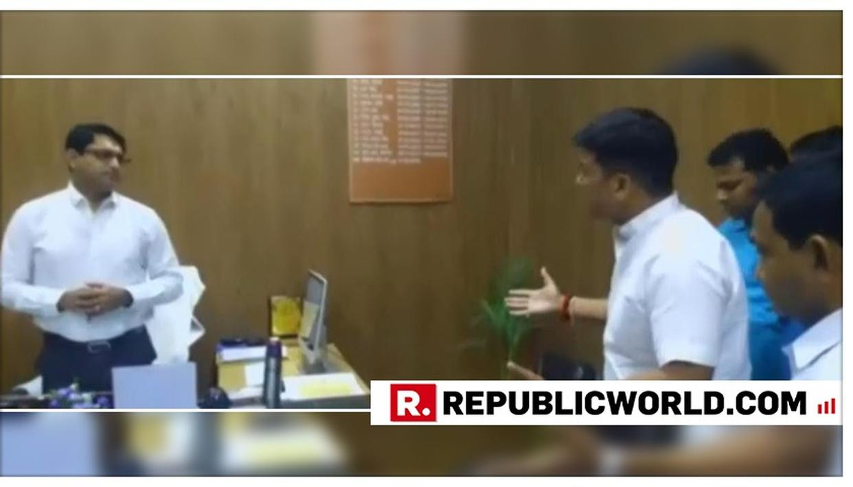 SHOCKING: BJP MAYOR FROM BAREILLY HECKLES AND PUSHES GOVERNMENT OFFICIALS AT NAGAR NIGAM OFFICE