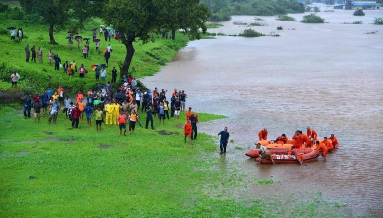 MAHALAXMI EXPRESS: ALL STRANDED PASSENGERS EVACUATED SAFELY AMID FLOODS