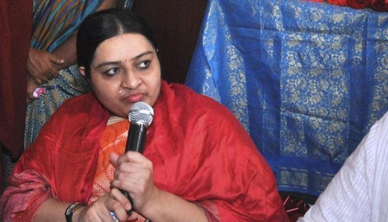 """DEEPA QUITS POLITICS, SAYS IT WAS A """"BAD EXPERIENCE"""""""