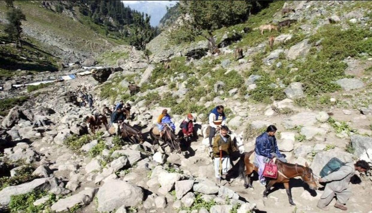 J&K GOVT TELLS AMARNATH YATRIS TO RETURN FOLLOWING INTEL INPUTS OF PAKISTAN ARMY-BACKED TERROR THREATS