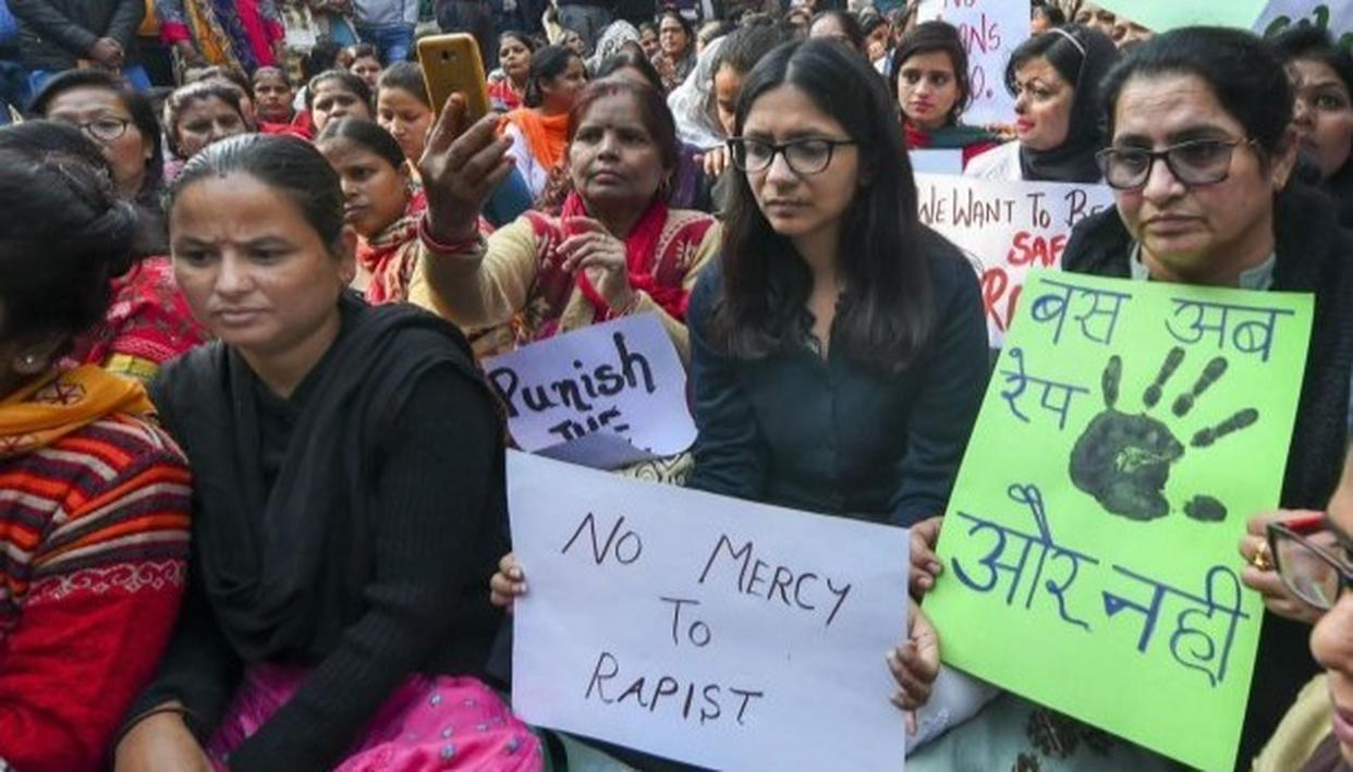 पुलिस ने स्वाति मालीवाल से जंतर-मंतर परिसर खाली करने को कहा