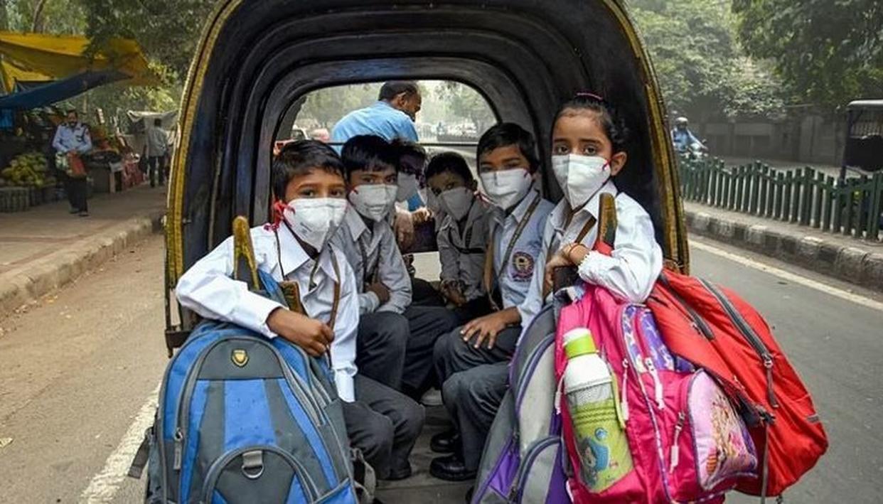 दिल्ली एनसीआर में कोरोना वायरस की दस्तक, 3 दिनों के लिए 2 स्कूलों को किया गया बंद