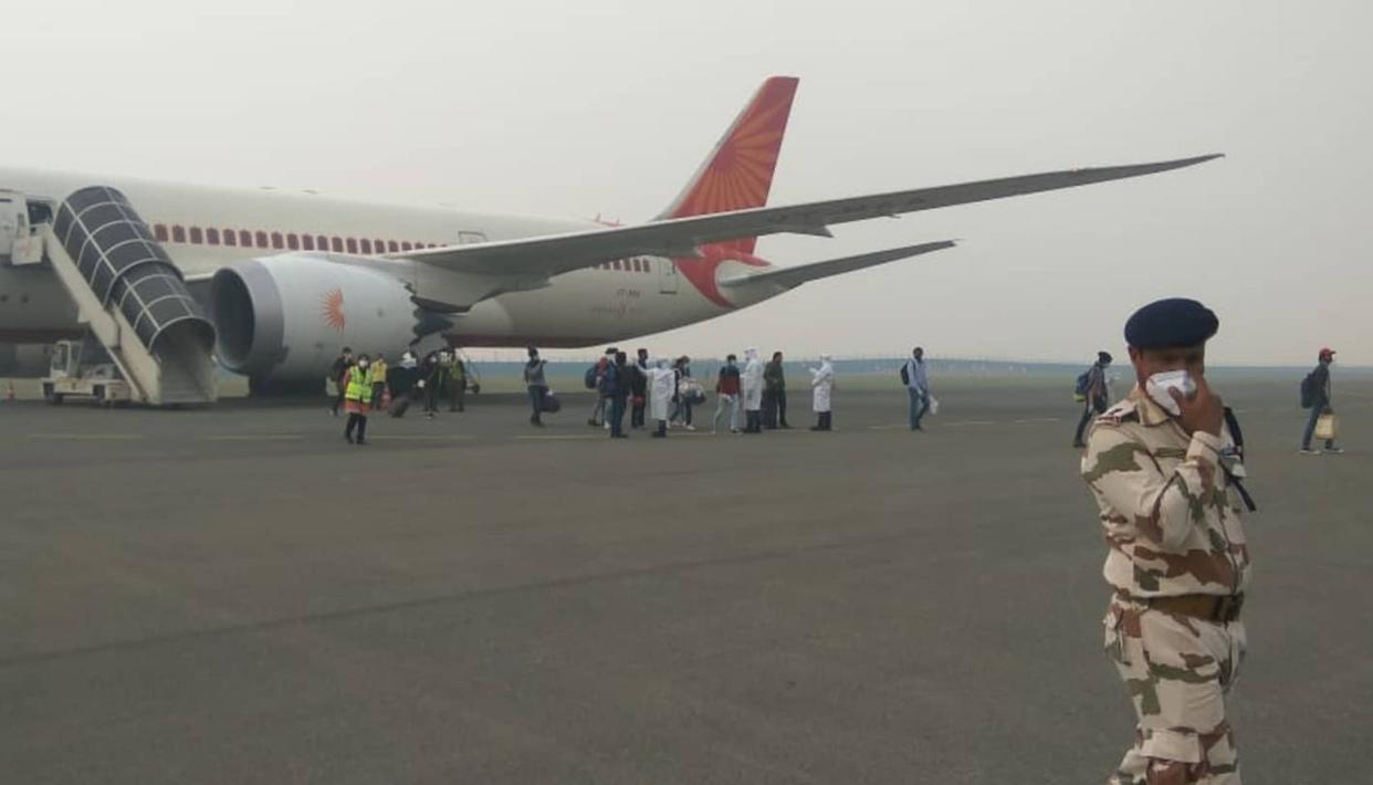 एयर इंडिया का विमान इटली से 218 लोगों को लेकर भारत पहुंचा