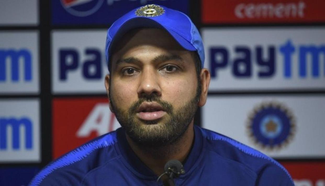 कोविड-19: भारत के स्टार बल्लेबाज रोहित शर्मा ने 80 लाख रूपये का दान दिया