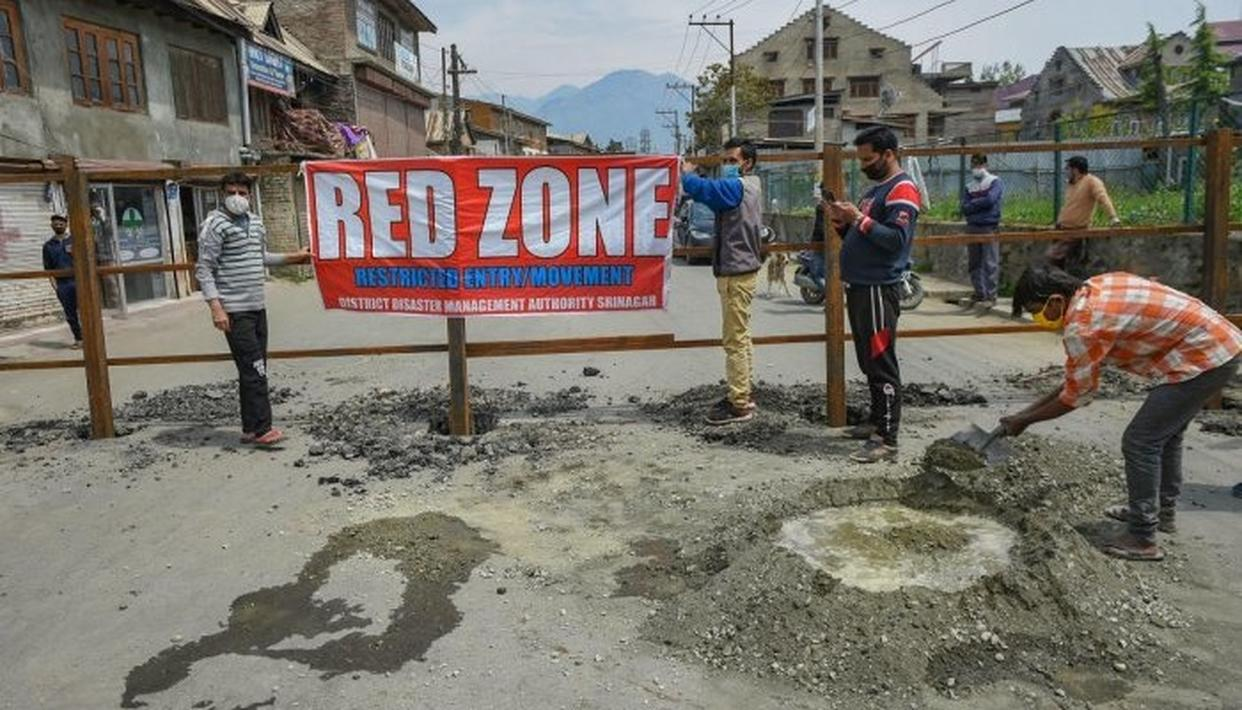 बंगाल के चार जिले रेड जोन, कोलकाता के 287 इलाके निरुद्ध क्षेत्र घोषित