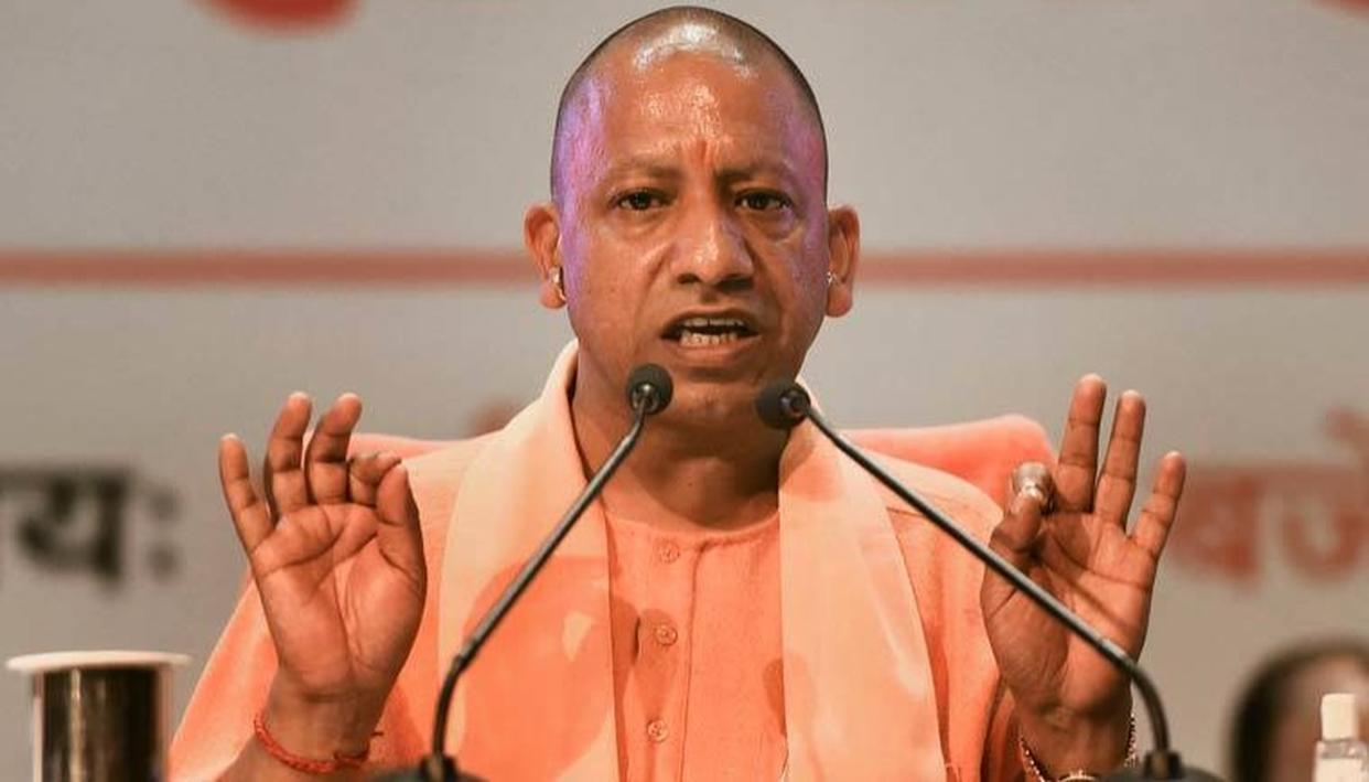 CM योगी बोले, प्रवासी मजदूरों को रोजगार देने के लिए कार्ययोजना तैयार की जाए