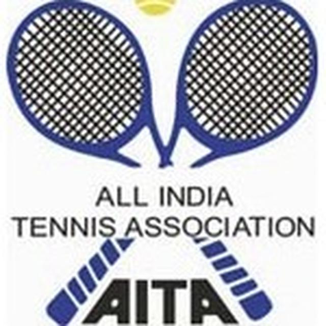 At AITA's coaching course: a dentist, engineer & banker